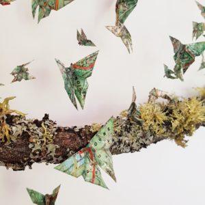 papillons en origami, cartes routières